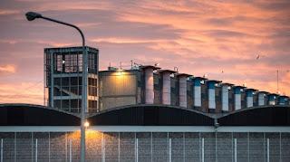 Prison : des dizaines de smartphones découverts à Fleury-Mérogis