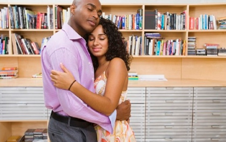 Ladies, take note: What a hug says about the level of relationship