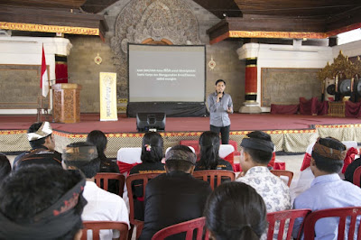 Maybank Indonesia Organizes Capacity Building and Critical Thinking Workshops for Middle School Students in Gianyar and Klungkung