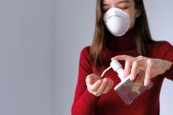 Efek Menggunakan Hand Sanitizer Yang Berlebihan