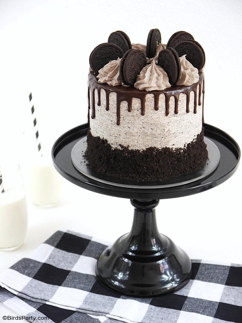 Recette de Gâteau Oreo - délicieux layer cake chocolat facile à faire avec glaçage à la crème au beurre Oreo, pour anniversaire,  ou un dessert chic! by BirdsParty.com @birdsparty #oreocake #oreo #gateau #gateaux #gateauoreo