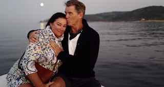 25 χρόνια μαζί: Οι φωτογραφίες του Πιρς Μπρόσναν με τη σύζυγό του δείχνουν ότι παραμένουν ερωτευμένοι όπως την πρώτη φορά