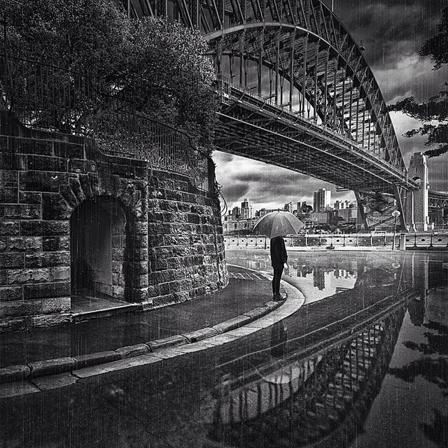10-Sous-le-Pont-Adrian-Donoghue-Photographs-from-the-point-of-view-of-the-viewer-www-designstack-co
