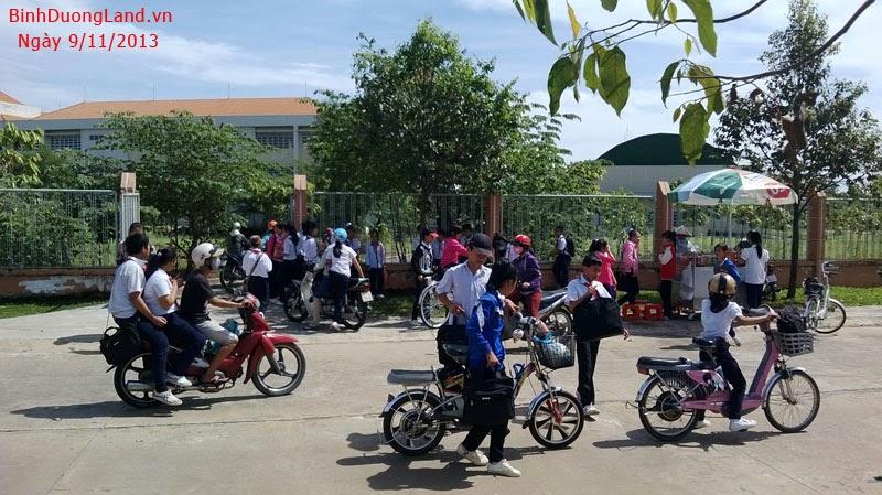 Đất nền Mỹ Phước 3   lô L29 đối diện công viên và trường học đã hoạt động