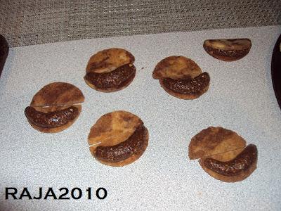 حلويات عيد الفطر جزائرية  بلاطو لاشكال عديدة بعجينة واحدة بالصور 17.jpg
