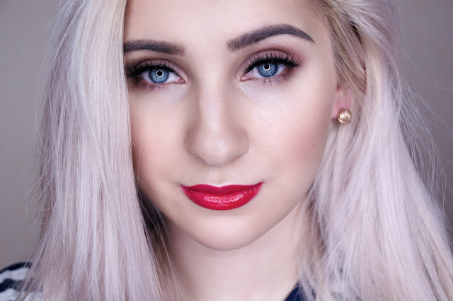 makeup with red lipstick for blondes
