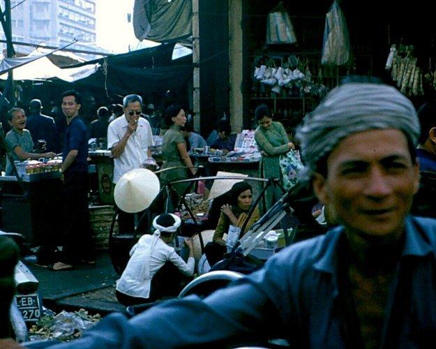 Sài Gòn năm 1970 có gì hot qua ống kính lính Mỹ? 1