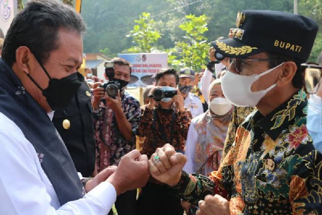 Sakti Wahyu Trenggono Canangkan Pengembangan Gurami Bima di Lima Puluh Kota.lelemuku.com.jpg