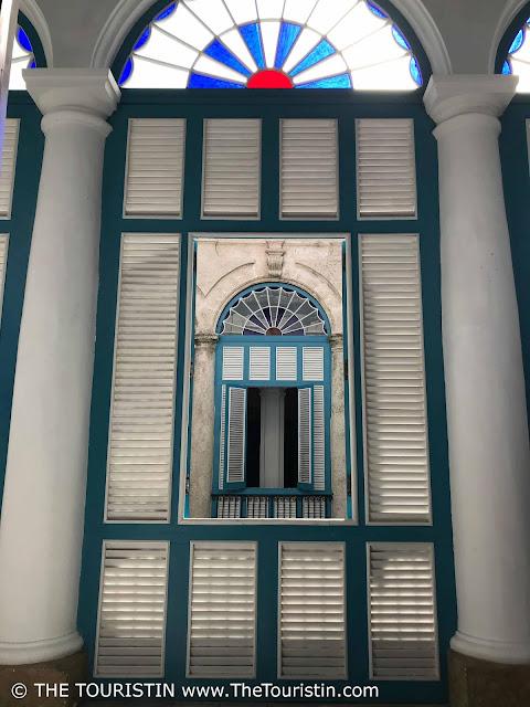 Palacio del Segundo Cabo Vieja Cuba havana the touristin window