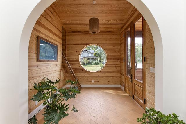 ผนังบ้านไม้