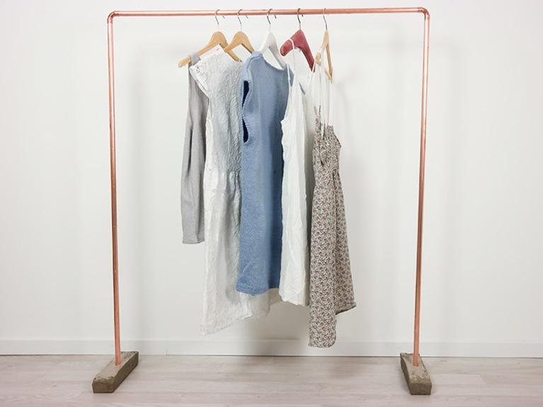 Diy kupfer 3 ideen f r eure wohnung zum selber machen for Garderobe rohre