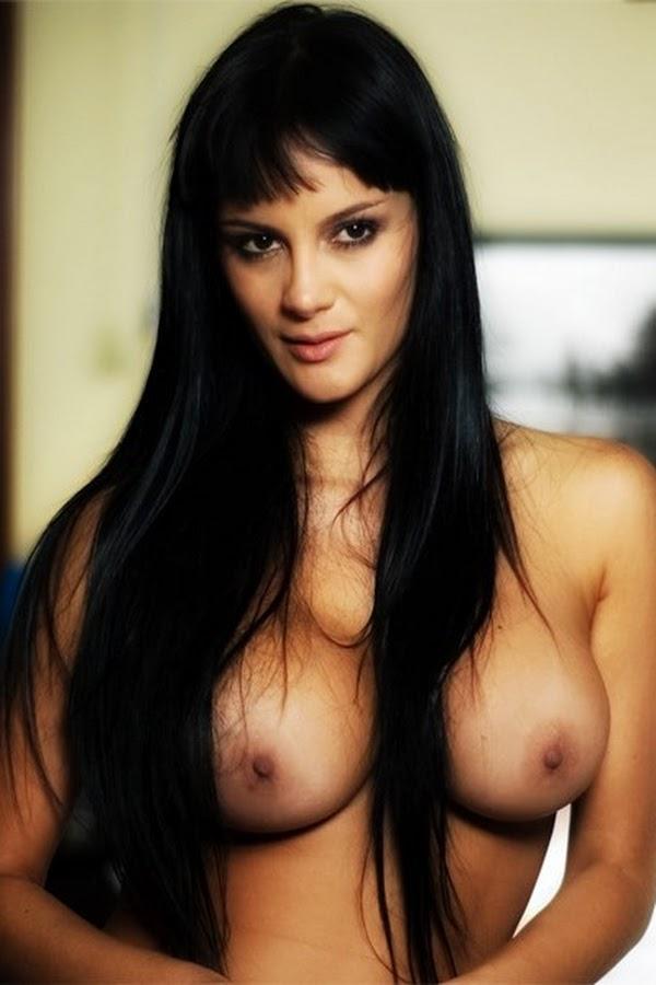Eliana Franco Muy Sensual Se Desnuda En Soho Para Videos Interactivos