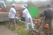 Relawan Front Persatuan Islam Bantu Rakyat Di  Karawang dan Ciamis