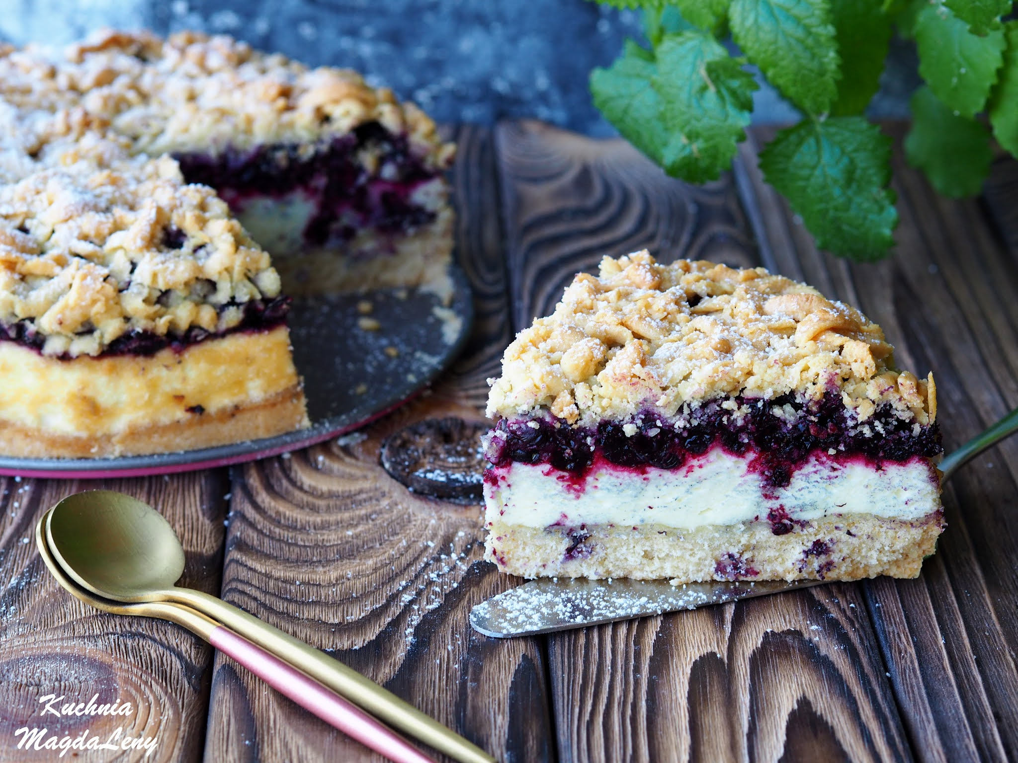 Ciasto kruche z pianką budyniową i jagodami