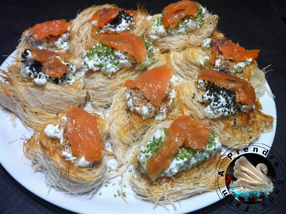 Nids de kadaïf au fromage frais, concombre et saumon fumé