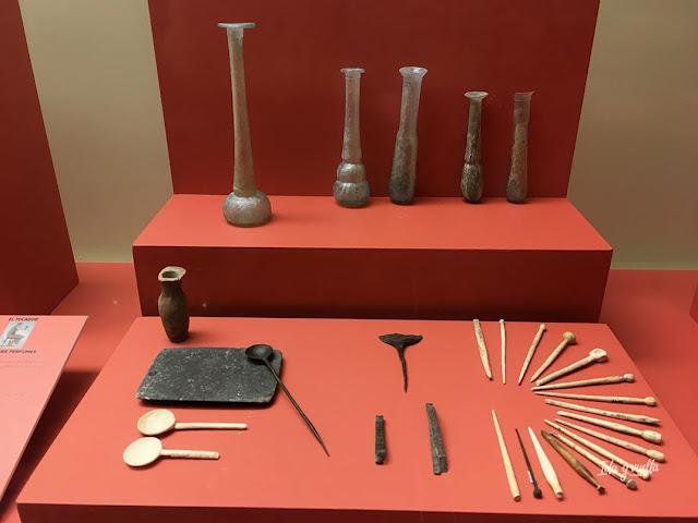 Museo Albacete cosméticos paleta y horquillas