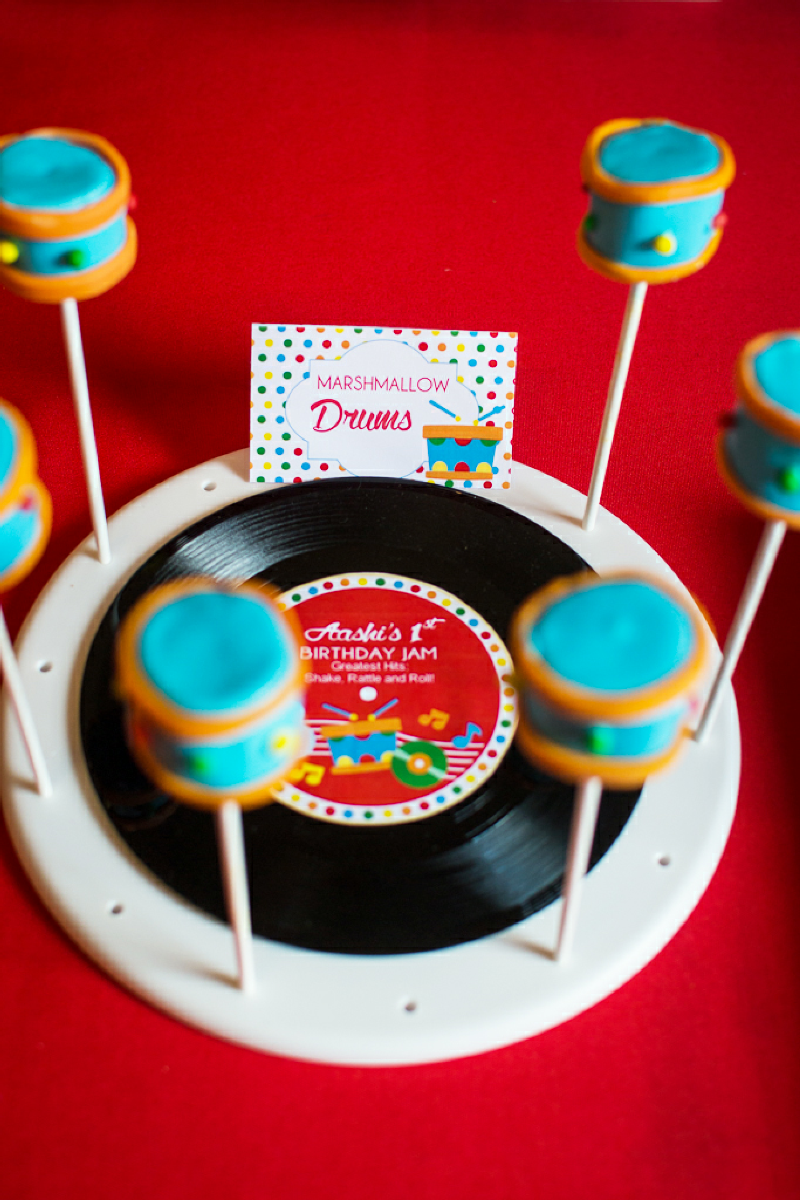 Baby Jam: A Music Inspired 1st Birthday Party Cake Pops - via BirdsParty.com