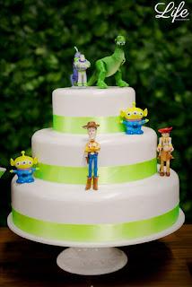 festa de aniversário infantil com decoração no tema buzz lightyear do toy story por life eventos especiais