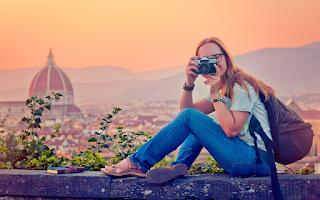 Ζητείται άτομο για να ταξιδεύει σε όλο τον κόσμο - Μισθός 10.000€ το μήνα