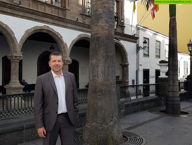 Cabrera apuesta como objetivo irrenunciable por crear aparcamientos para residentes