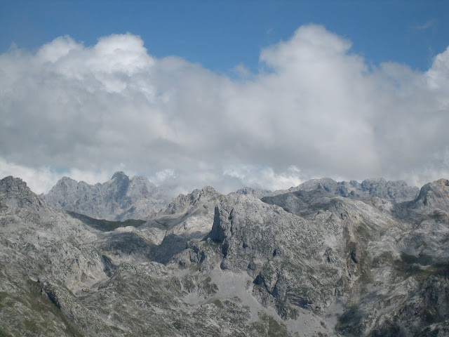 Rutas Montaña Asturias: Vista de Torrecerredo desde el Canto Cabronero