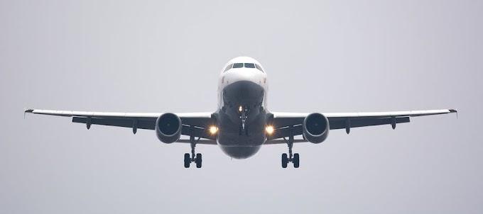 Tips de viaje: ¿Qué hacer cuando te sientas al lado de una persona que tiene miedo a volar?