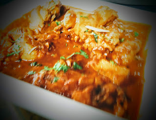 Serving hot chicken curry recipe