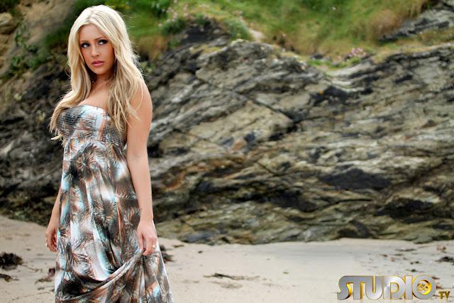 Ashley Emma wide pic