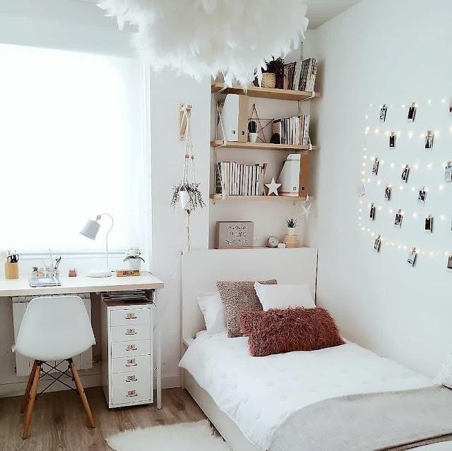 Desain Kamar Tidur Kecil dengan Rak Dinding Terbaru