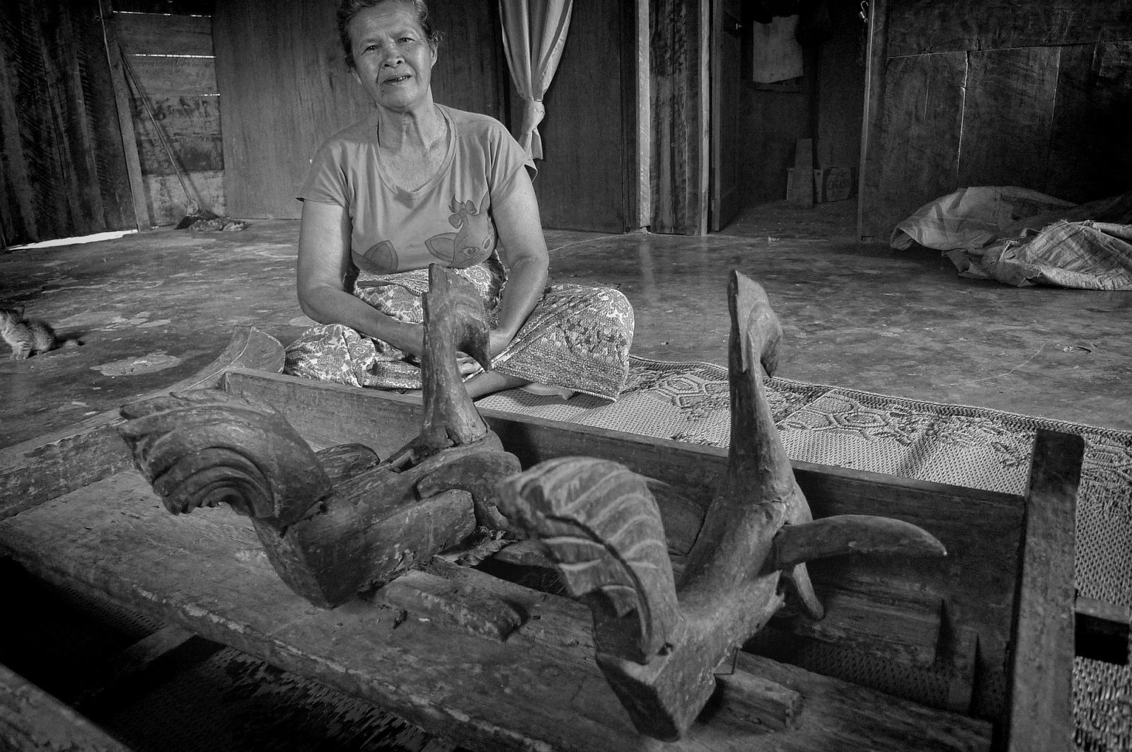 majalah LAKLAK foto berita pusaka marga Situmorang di Samosir