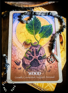 The Wood card from the Secret Language of Animals Oracle