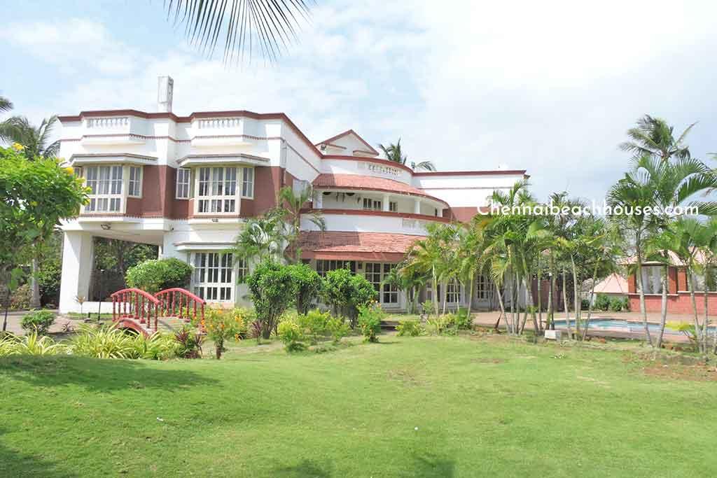 private beach villa for rent in ecr