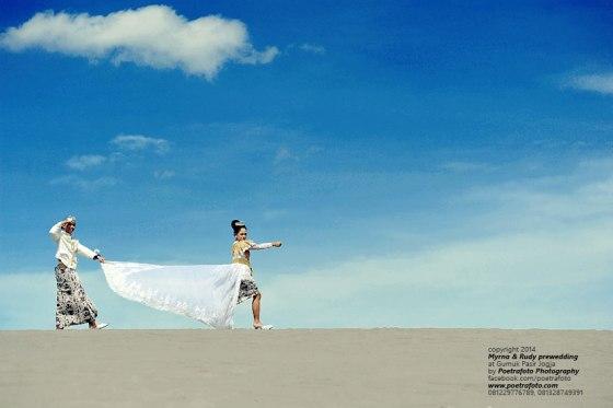 Foto Prewedding gurun pasir parangkusumo