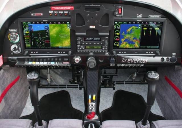 Evektor SportStar RTC cockpit