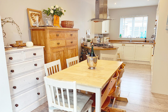 getting your house ready for sale - a shaker style cream kitchen with wooden worktops