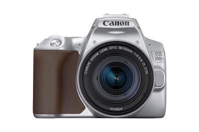 Canon EOS 200D II warna silver