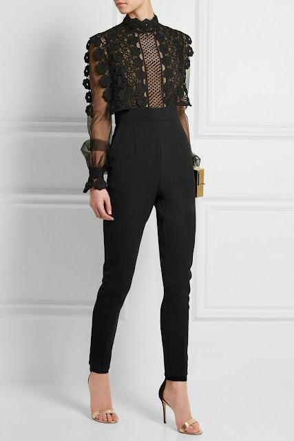 Black laces trend
