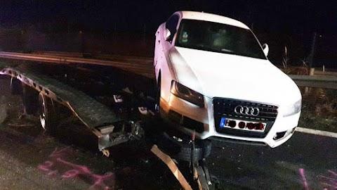 Szalagkorlátnak ütközött egy autó az M3-ason