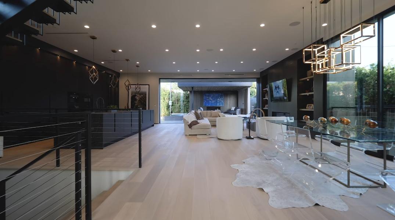 47 Interior Design Photos vs. 418 N Sweetzer Ave, Los Angeles, CA Luxury Home Tour