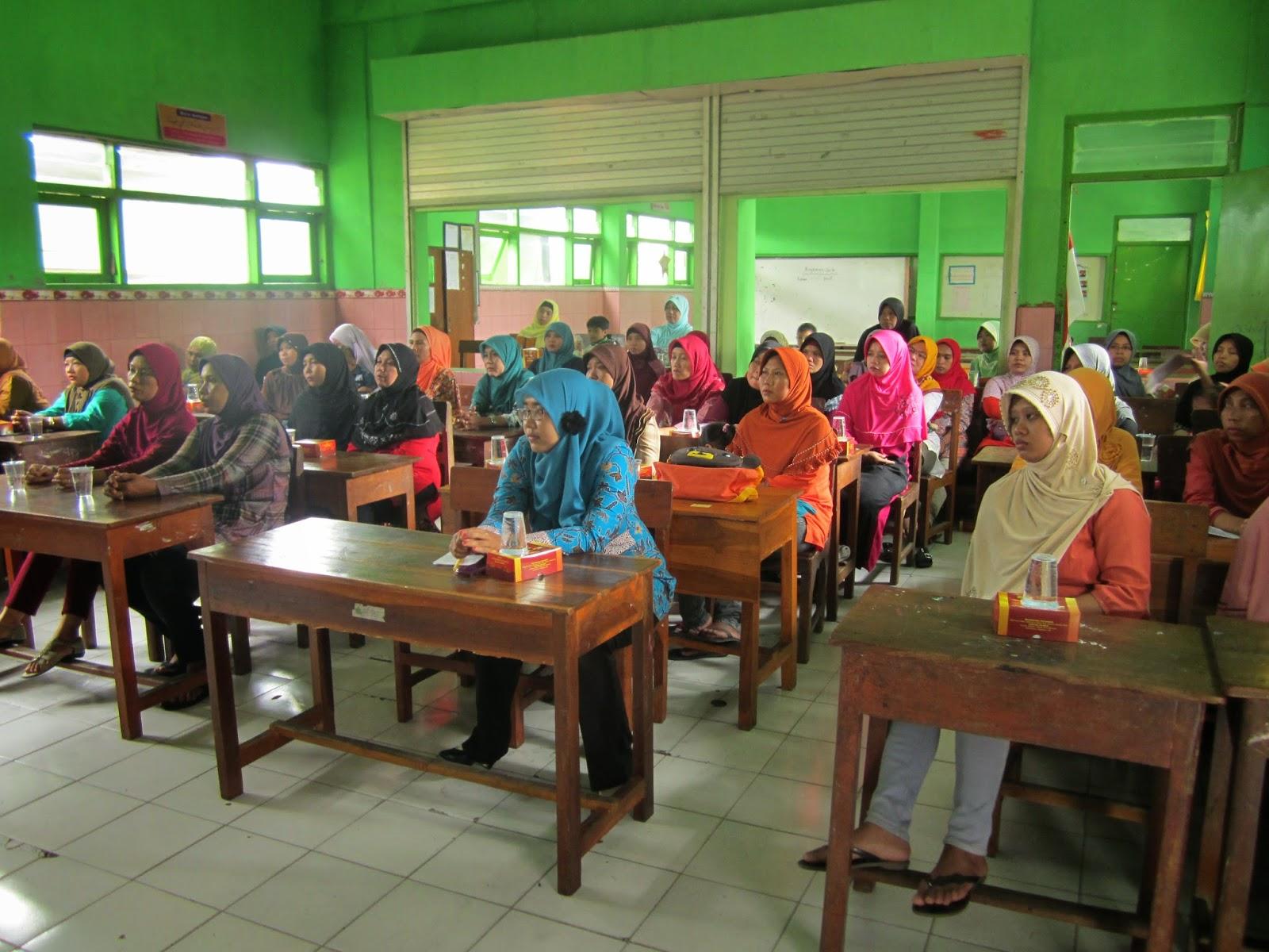 peserta sosialisasi standar kompetensi kelulusan