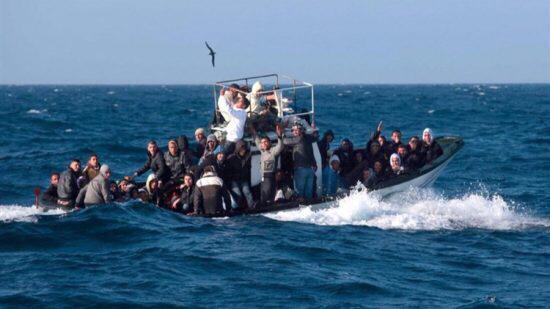 """مصدر : وحدات خفر السواحل توقف 186 """"حراك"""" بعرض البحر الأبيض المتوسط ووحدات أخرى توقف ثلاث إسبانيين ومغربيان وبحوزتهم طن من مخدر الحشيش ✍️👇👇👇"""