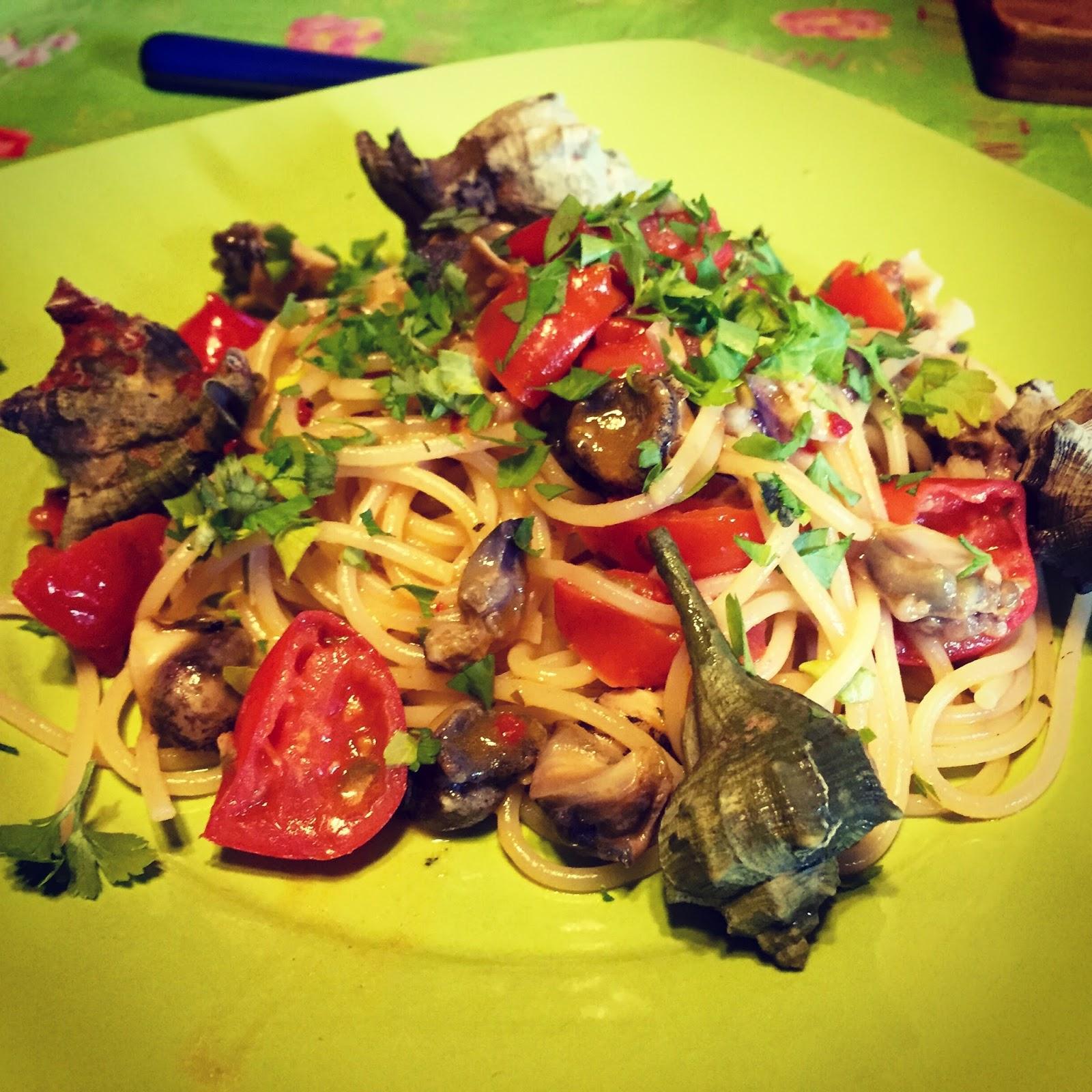 Sicilia in cucina, le ricette: Spaghetti con i bocconi di mare ...