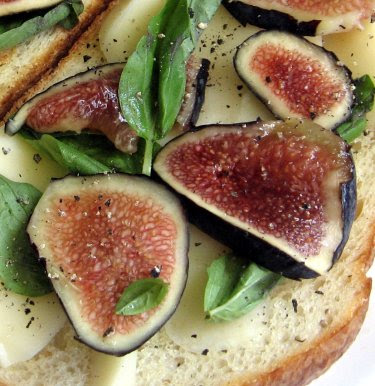 fig mozzarella and basil sandwich