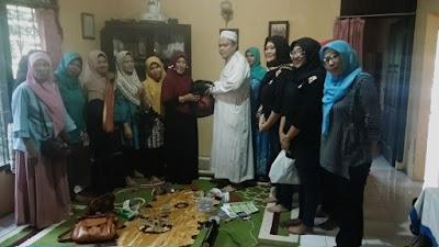 Ketua LASPRI ( laskar perempuan berdikari )  yang juga  mengkordinir  UMKM di barisan bandar Lampung berjamaah Novellia yulistin sanggem masih terus konsisten untuk terus melatih perempuan atau kaum ibu agar  dapat bermanfaat melalui  UMKM.