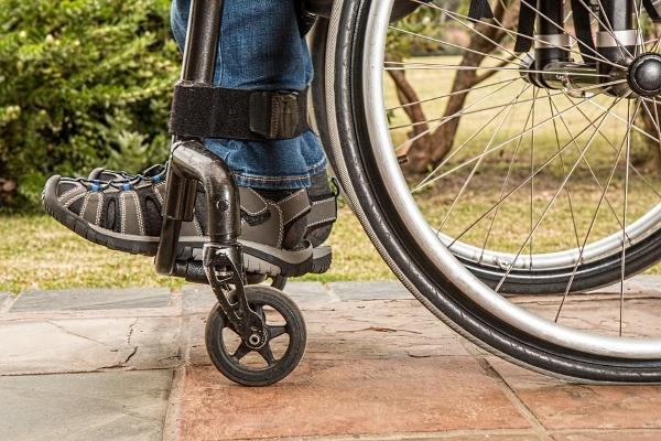 sedia a rotelle-disabili-servoscala