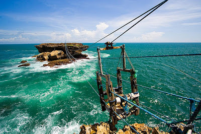Pacu Adrenalinmu, Lintasi Gandola Pantai Timang Gunungkidul Yogyakarta