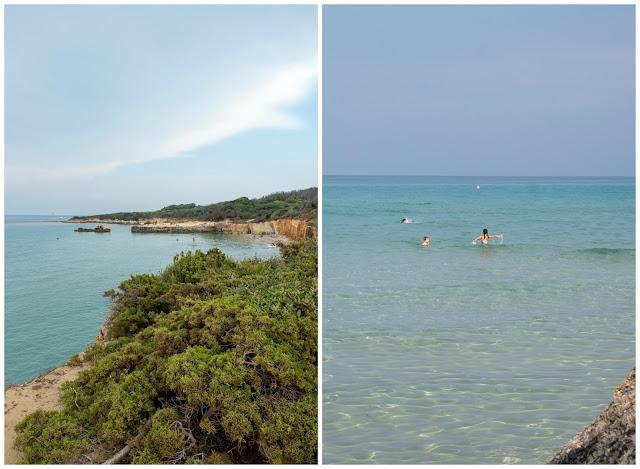 A la izquierda vegetación frente a la costa de Baia dei Turchi. A la derecha vista de las aguas turquesas.