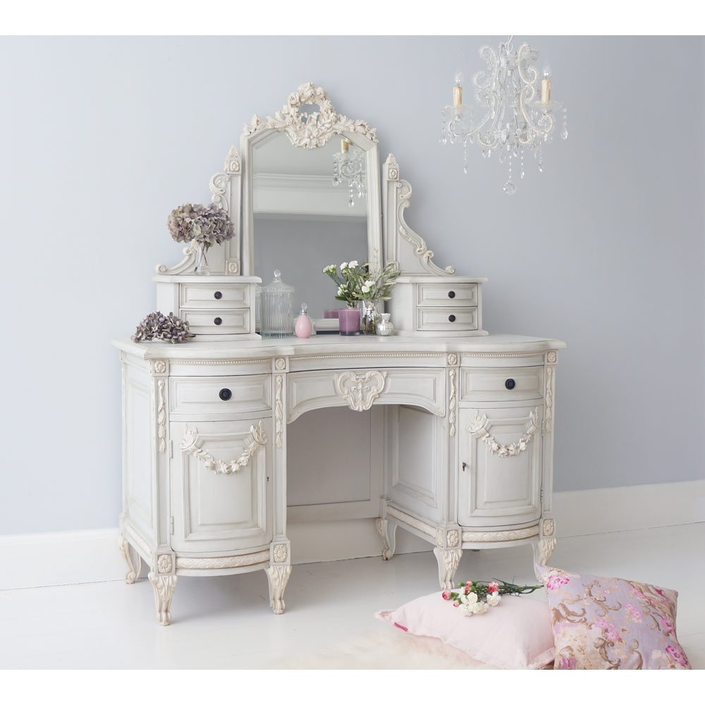 5 bedroom styling tips to recreate french d cor don 39 t for Bedroom dressing table