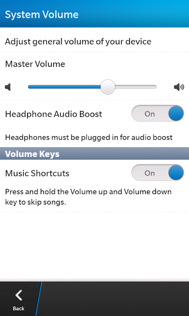 Muchos usuarios nos han estado comentando acerca de que al intentar cambiar la pista con las teclas de control de volumen no pueden. Los dispositivos BlackBerry antiguos te permiten saltar a la siguiente canción con solo utilizar la tecla de control de volumen e ir hacia atrás con la tecla de volumen inferior. Esto igualmente lo puedes hacer en BlackBerry 10 y es Por ello que decidimos hacer está guía que te permite activar esta característica interesante. Cómo pasar canciones en el Reproductor de música utilizando teclas de control de volumen en el BlackBerry Z10: Ingresa en Configuración (Para ello