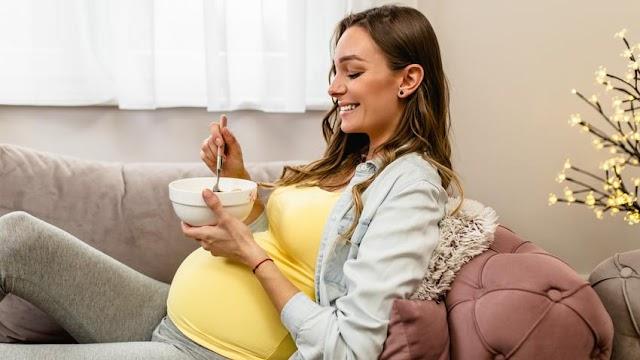 Étkezés a várandósság alatt: ezek a leggyakoribb tévhitek